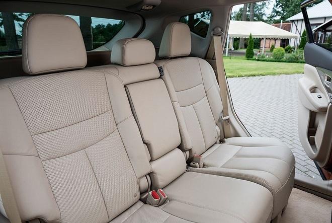 Nissan Murano 2017 задний ряд сидений