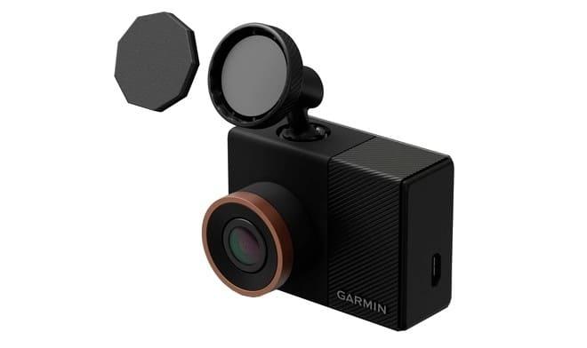 Видеорегистратор Garmin Dash Cam 55 обзор