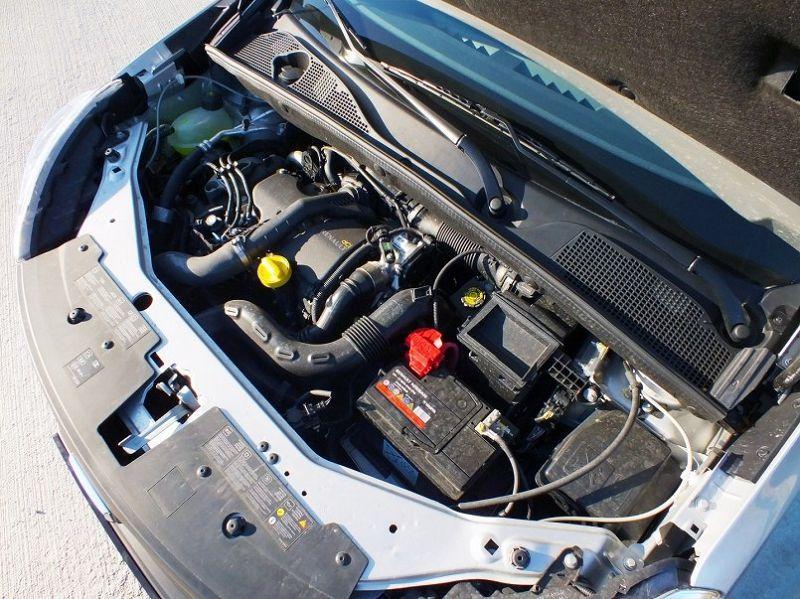 рено докер двигатель