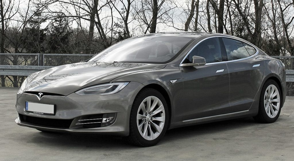 Tesla Model S дизайн