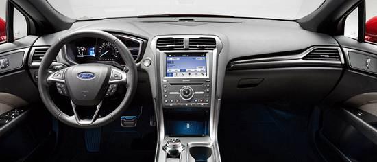Ford Mondeo 5 интерьер