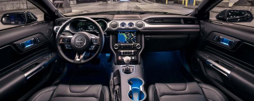Ford Explorer 6 интерьер