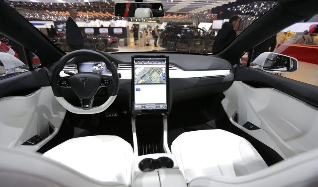 Tesla Roadster 2 интерьер