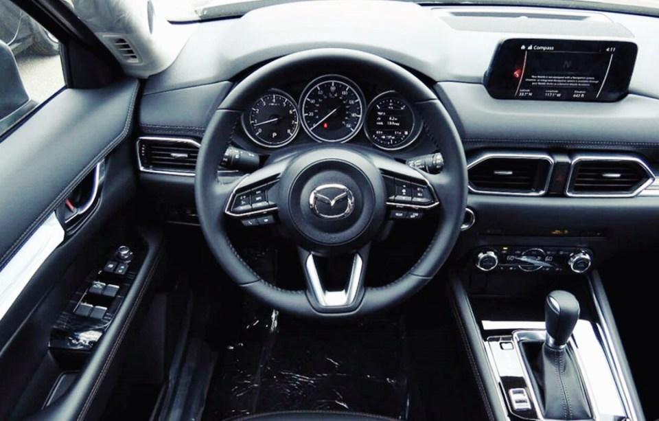 Mazda CX 7 интерьер