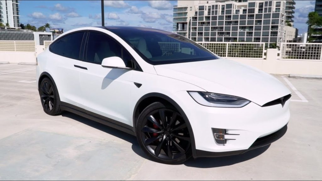 Tesla Model X экстерьер