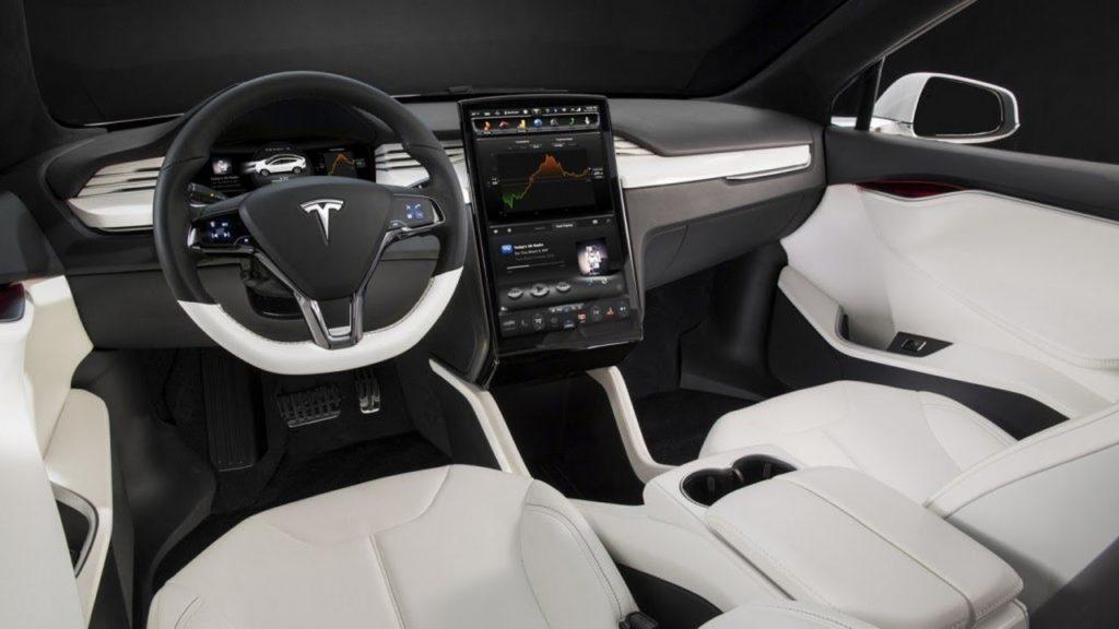 Tesla Model X интерьер