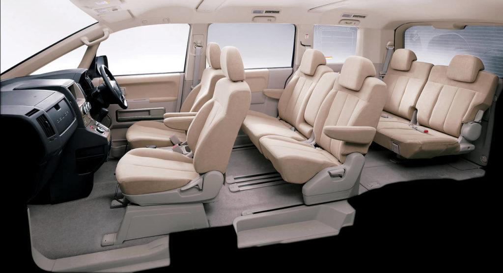 Mitsubishi Delica 5 салон