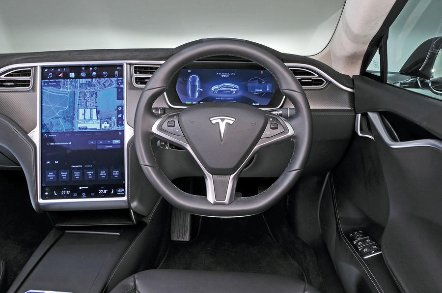 Tesla Model S управление