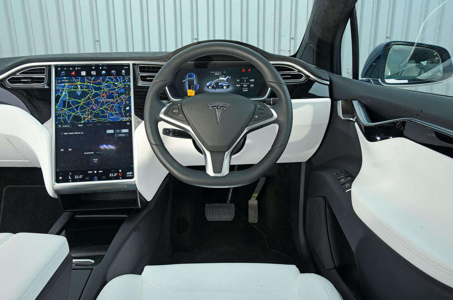 Tesla Model X салон